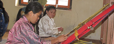 weaving-in-bhutan